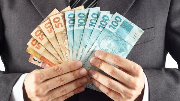 dinheiro-eleicoes-620x350