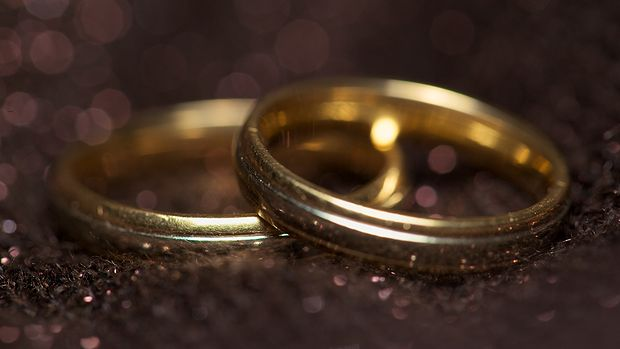 """Should I marry you?"" How philosophers answer the big question"